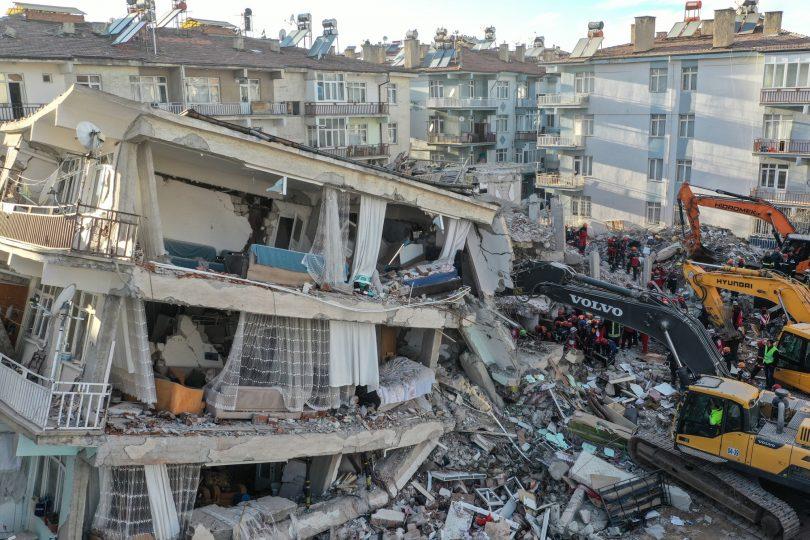 Ein starkes Nachbeben folgt auf das tödliche Erdbeben in der Türkei