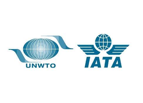 UNWTO and IATA sign agreement to restore confidence in international aviation