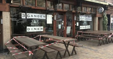 Netherlands shuts down bars and restaurants, makes masks mandatory as COVID-19 cases spike