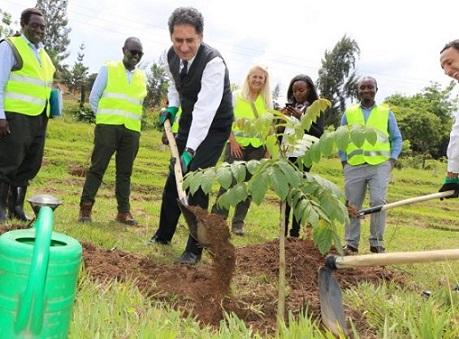 Ruanda Woos Investitorët për Lehtësitë Turistike Kigali