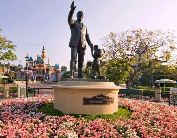 Disneyland, California Adventure, Universal Studies, Knotts Berry Farm, Six Flags Magic Mountain nog steeds gesloten: waarom?