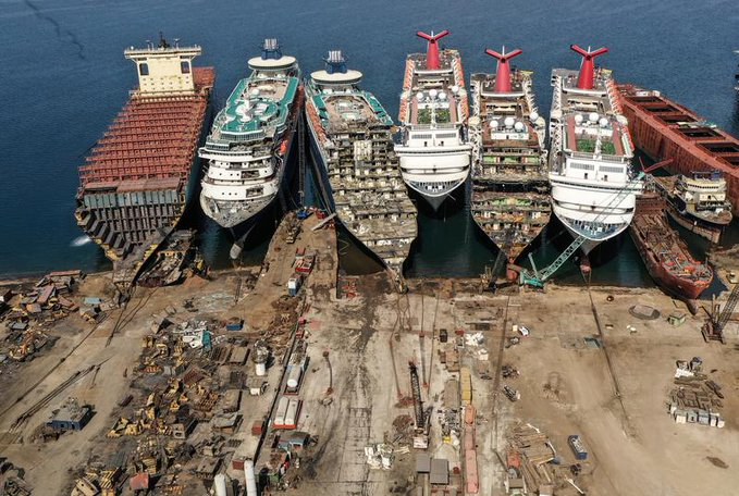 Destroying Cruise Ships is big Business in Turkey