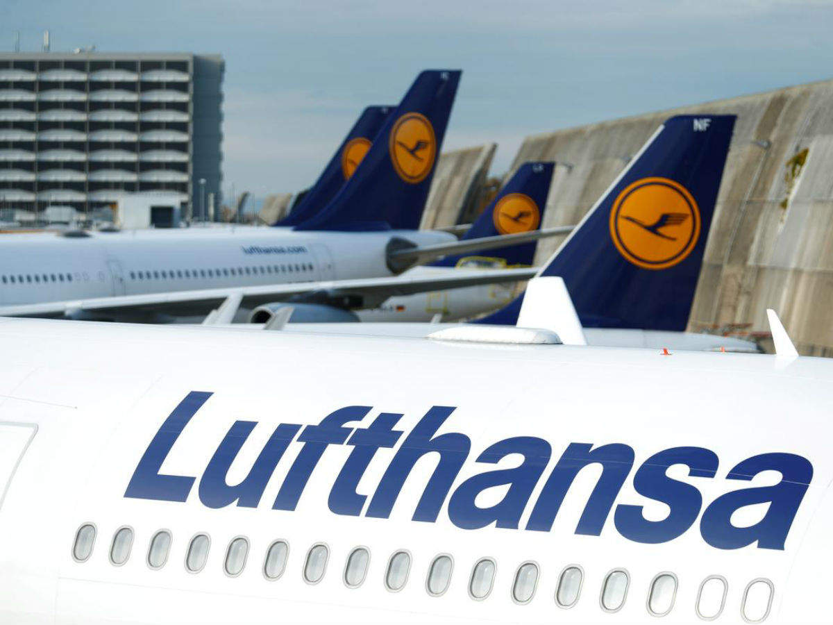 CO2-neutral flying: Lufthansa customers now compensate their flights by click