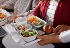Bydd Lufthansa, SWISS ac Austrian Airlines yn cynnig bwyd a diodydd yn Nosbarth yr Economi yn 2021