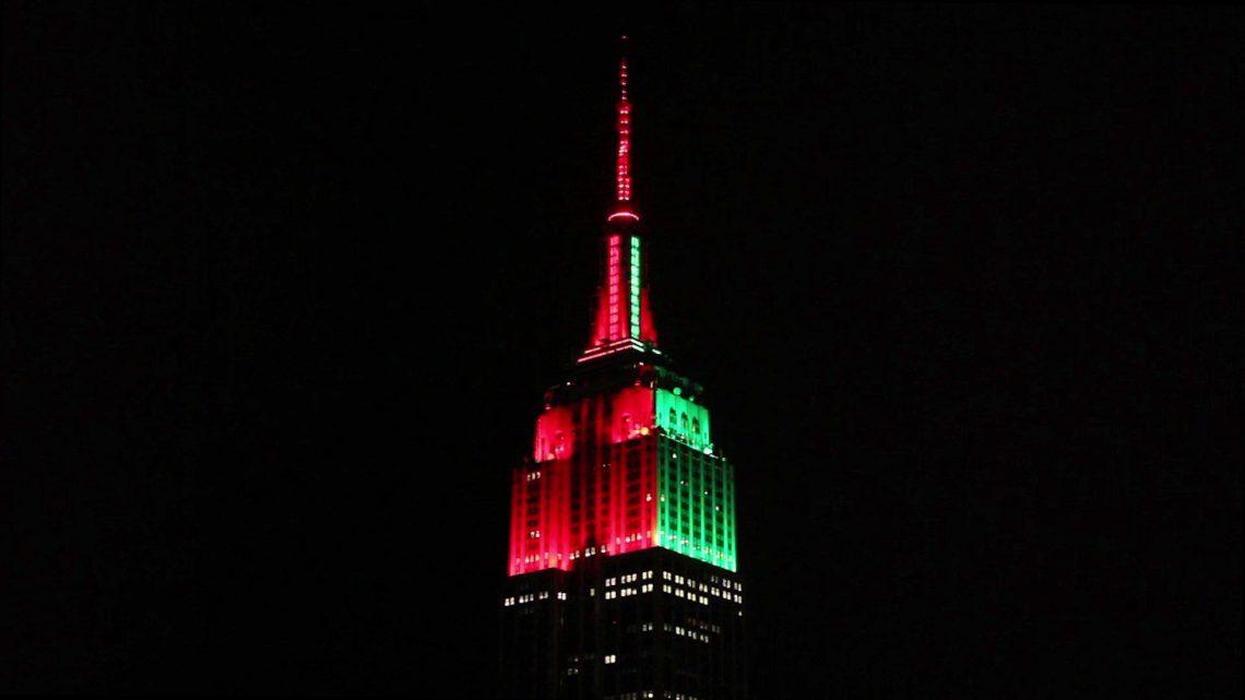 """""""Empire State Building"""" praneša apie savo atostogų šventes"""