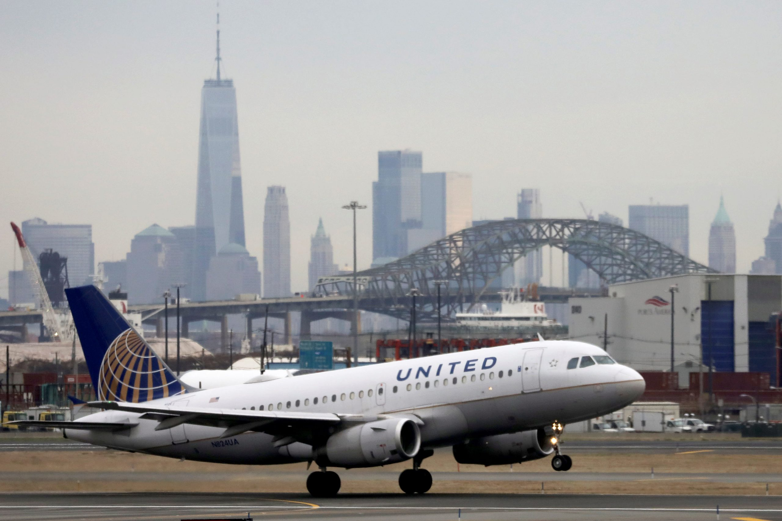 United Airlines adds over 1,400 flights due to Thanksgiving travel demand