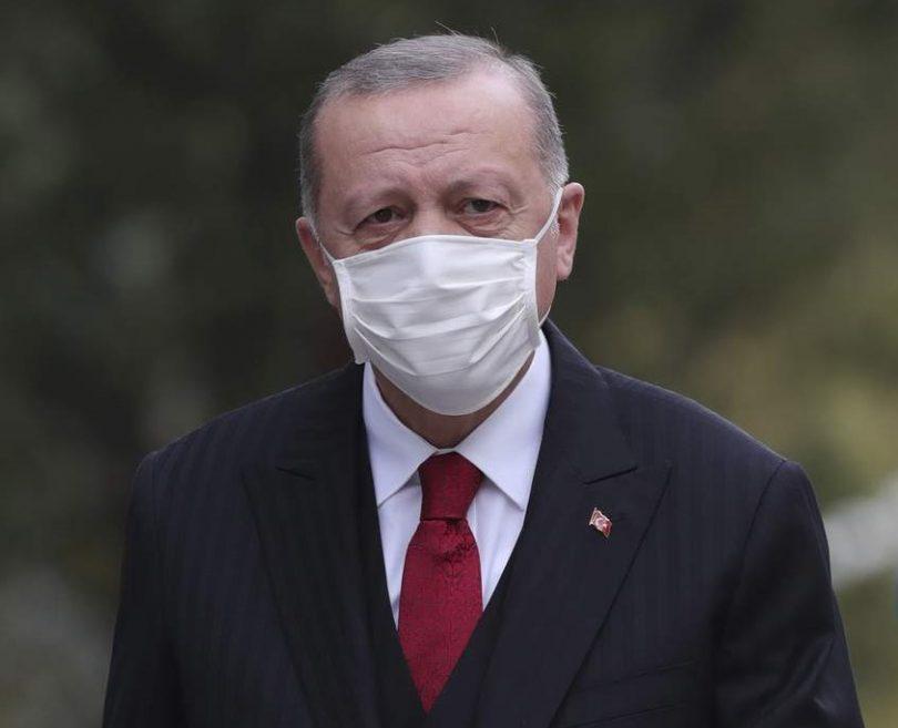 तुर्की सभी रेस्तरां और कैफे बंद कर देता है, सप्ताहांत कर्फ्यू की घोषणा करता है