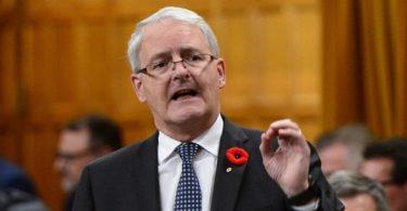 وست جت پس از درخواست وزیر حمل و نقل کانادا برای اتصال و بازپرداخت هیچ نظری ندارد