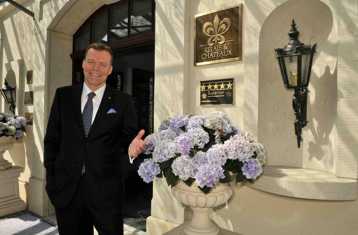 德国酒店集团被迫关闭580家与总理默克尔接触的酒店