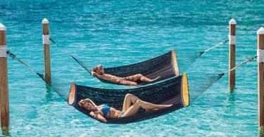 ʻO Sandal Resort ma Nassau: ʻO ka hapanui o nā mākua hanohano wale nō ka hopena holoʻokoʻa āpau