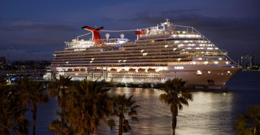 Carnival Cruise Line ги ажурира гостите за откажувањата на маршрутата