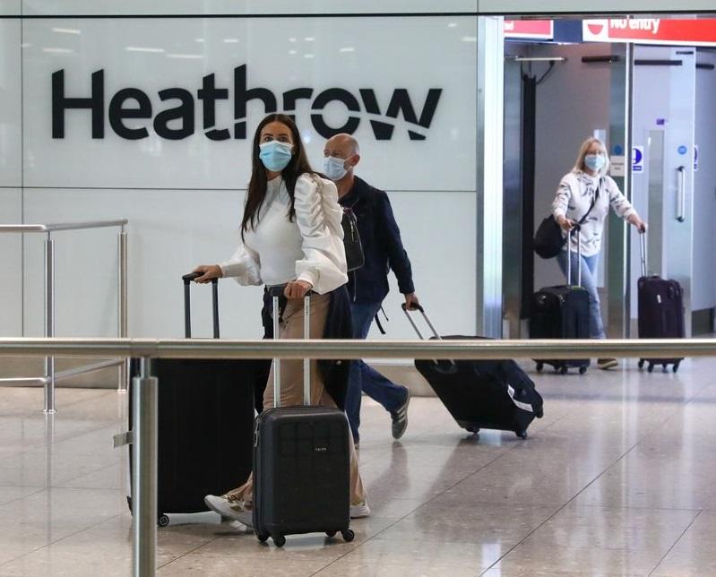 Heathrow připomíná cestujícím pokyny COVID-19 před vánočním útěkem