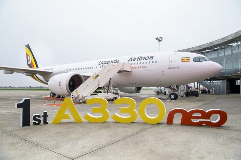 एयरबस युगांडा एयरलाइंस को पहला A330neo जेट वितरित करता है