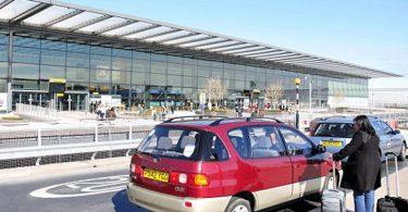 Heathrow alkaa veloittaa 5 puntaa lentoaseman pudotuksesta
