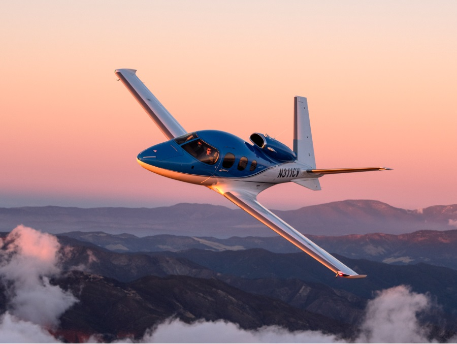 Luxaviation UK expands fleet with new Cirrus jet