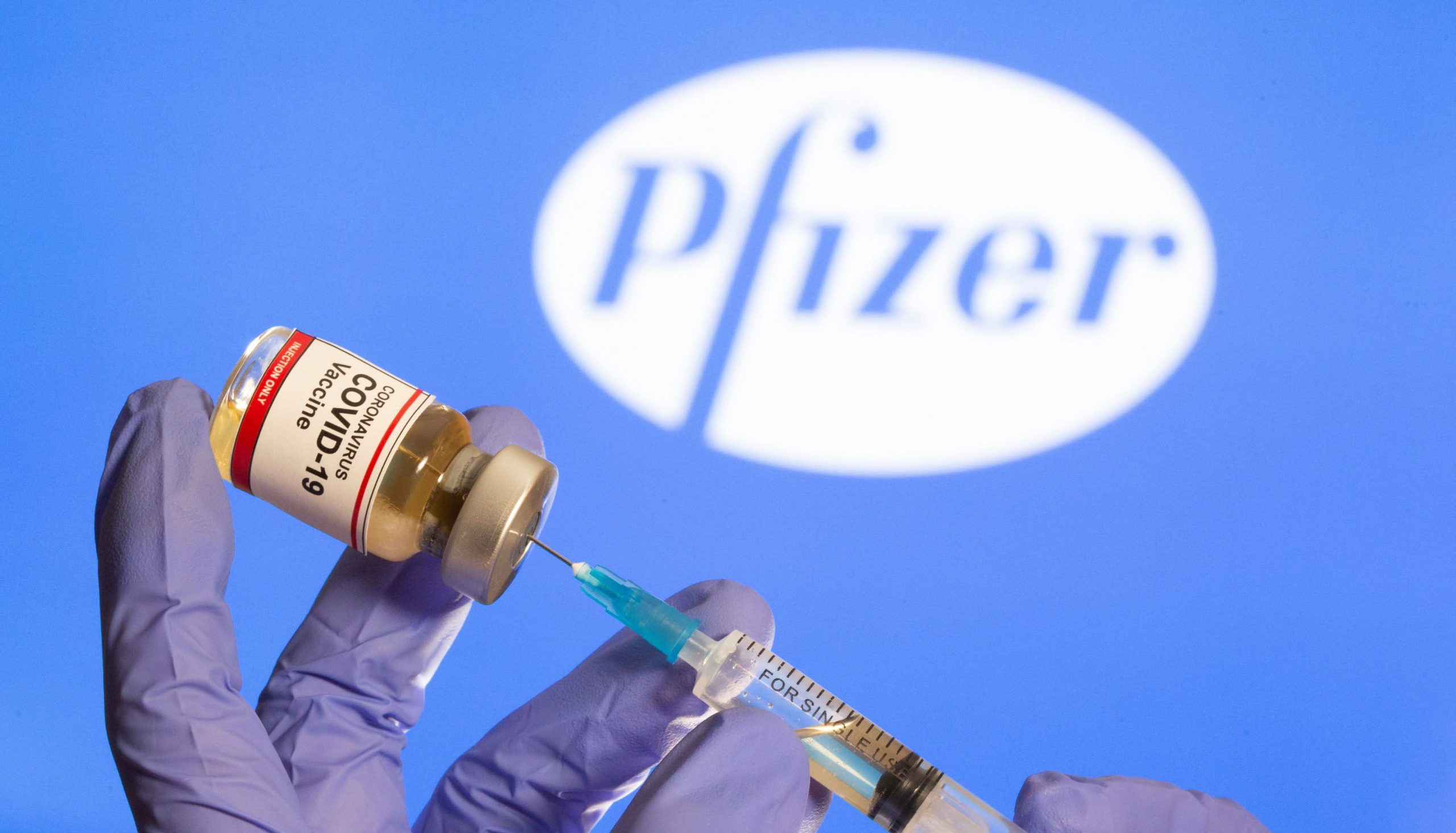 FAA: Pilots and air traffic controllers may receive Pfizer COVID-19 vaccine
