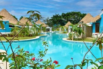 Resortet e sandaleve ngre portofolin gjithpërfshirës