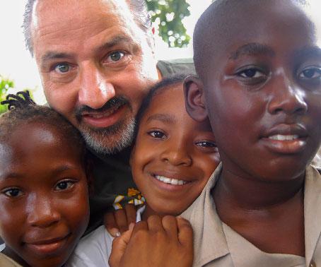 سینڈل ریسارٹس: دوسرا سالانہ اسٹیورٹ فیملی انسان دوستی ایوارڈ کا اعلان