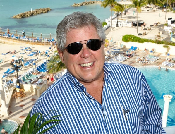Turisma ministro funebras pro la forpaso de turisma ikono Gordon 'Butch' Stewart