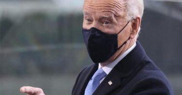 رئیس جمهور بایدن دستور اجرایی ماسک اجباری در پروازهای هواپیمایی را امضا کرد