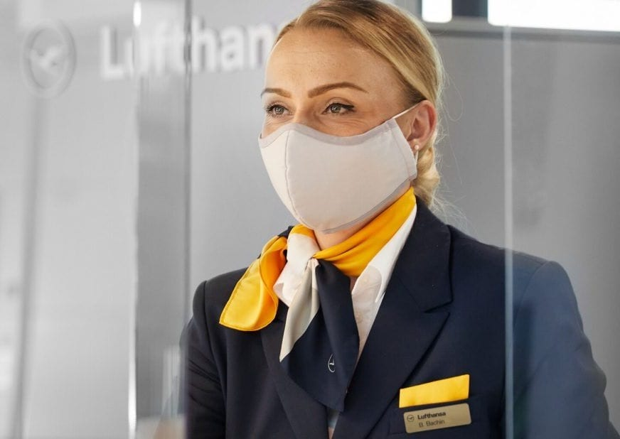 Syarikat penerbangan Lufthansa Group menyesuaikan keperluan topeng