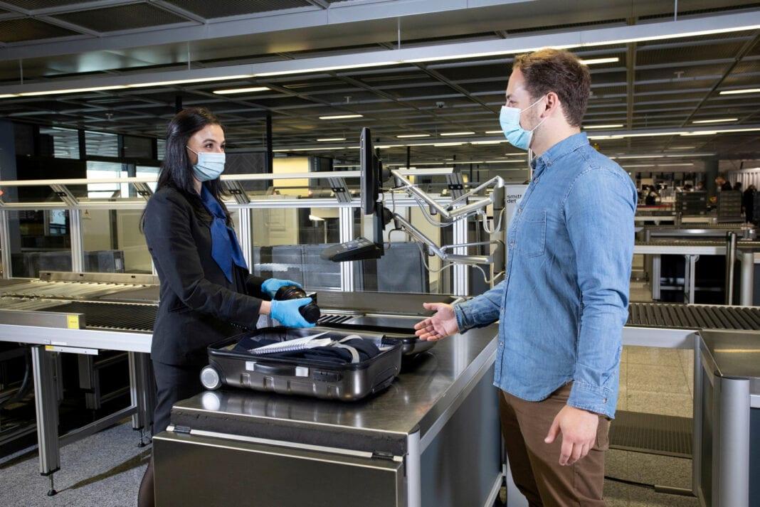 """""""Biztonságos utazás"""" a frankfurti repülőtéren keresztül: A TÜV Quality Seal újra megerősítve"""