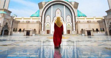 Малайзия, целяща да засили ислямския туризъм след COVID-19