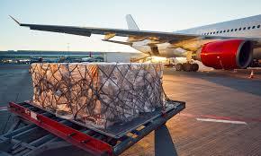 IATA: la demande de fret aérien s'améliore, la capacité reste limitée