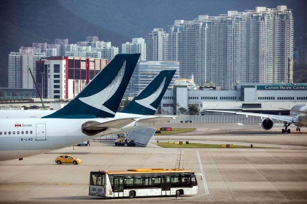 Cathay Pacific 25 Ocak'a kadar Birleşik Krallık'tan Hong Kong'a tüm uçuşları askıya aldı