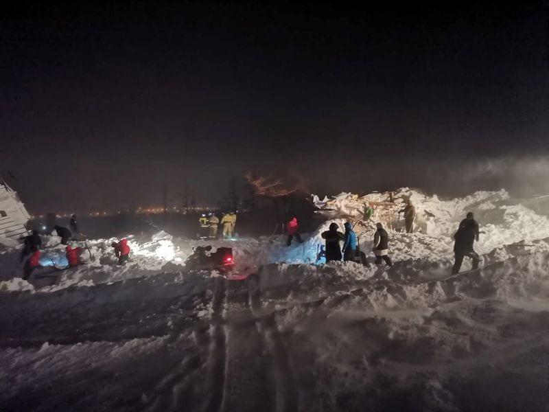 Massive Lawine tötet drei Menschen im russischen Skigebiet Arctic