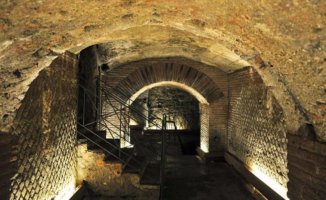 Naples Underground Route Reopens Despite COVID-19