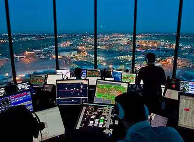 إدارة الطيران الفيدرالية: مطلوب مراقبو حركة جوية من ذوي الخبرة