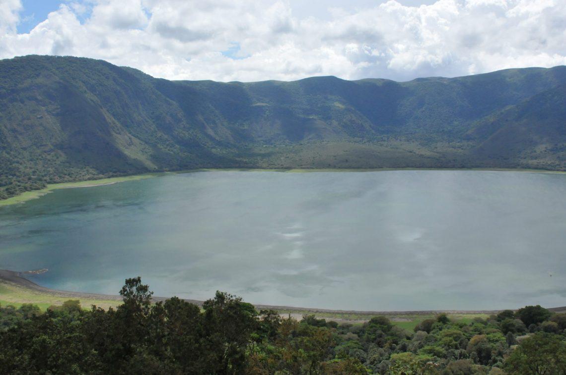 Geological Tourism: Ngwaahịa ndị njem ọhụụ na East Africa