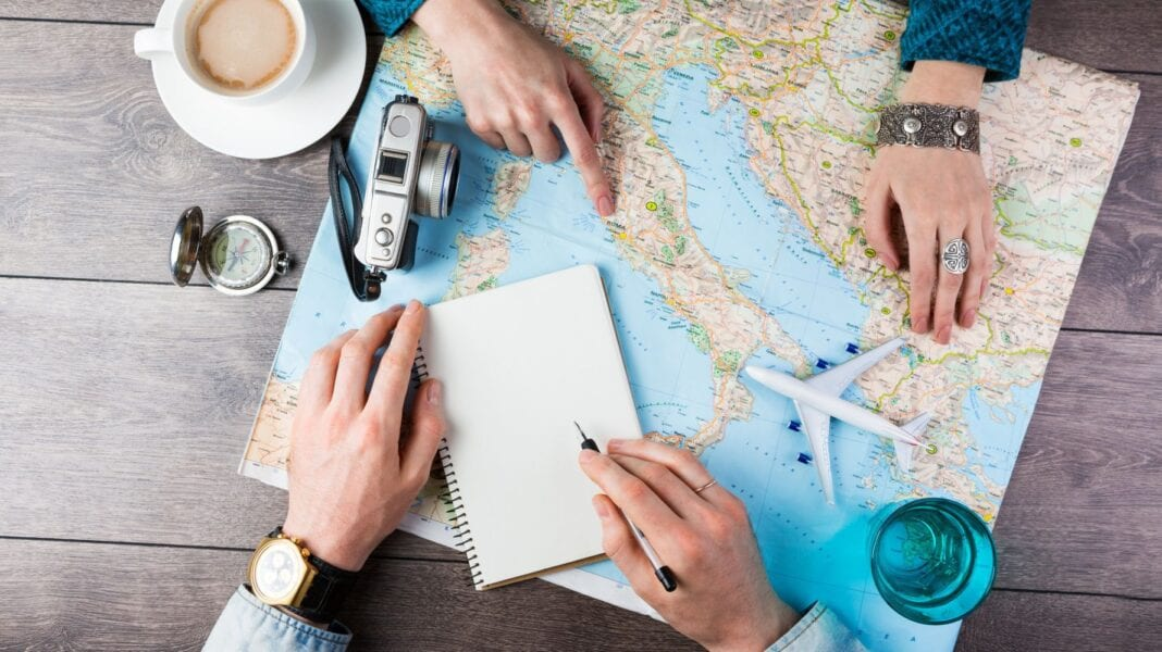 What vacation destinations are Americans searching for in 2021?