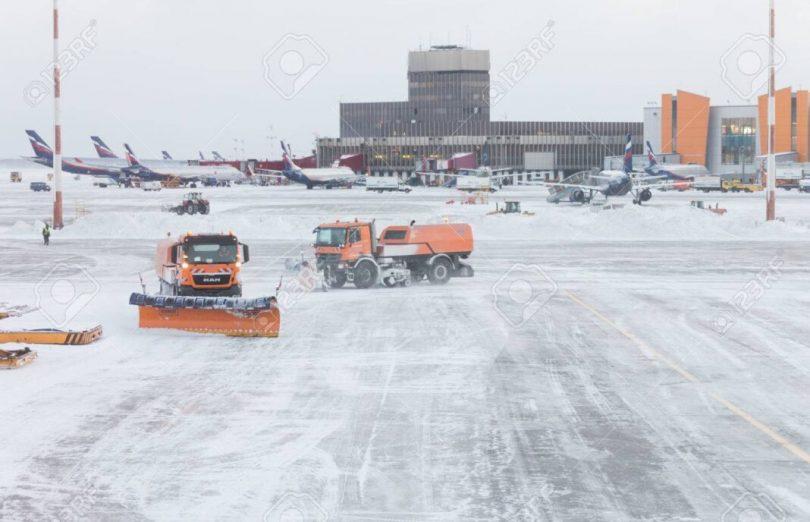 မော်စကိုလေဆိပ်များ - လေယာဉ်သုံးစင်းဖျက်သိမ်းပြီး၊ နှင်းမုန်တိုင်းကြောင့်လေယာဉ် ၅၀ ကျော်နှောင့်နှေးခဲ့သည်