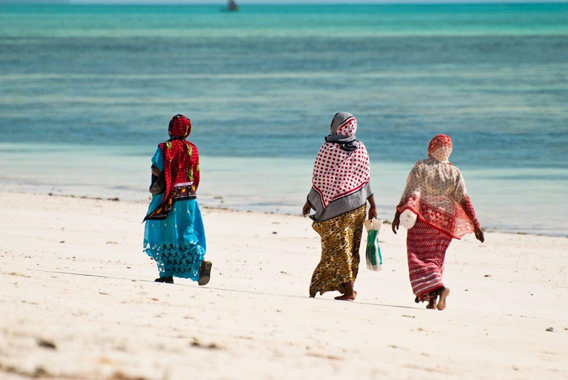 تعلن زنجبار عن قواعد اللباس السياحية الإلزامية