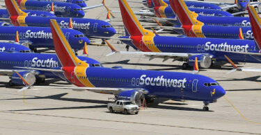 Southwest Airlines orders 100 troubled Boeing 737 MAX jets