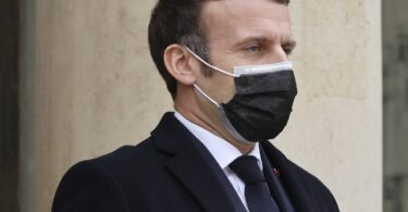 Frankreich weitet die regionalen COVID-19-Sperrmaßnahmen auf das gesamte Land aus