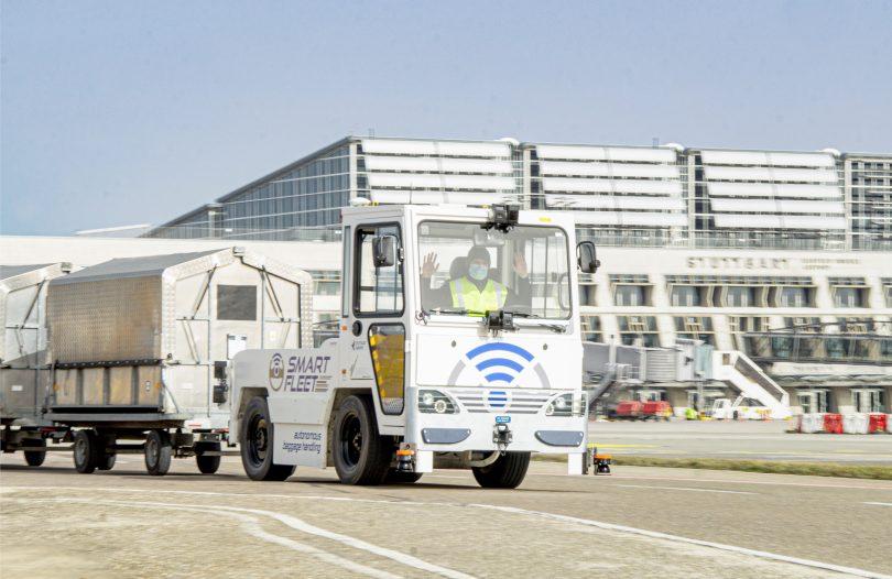 Stuttgart Airport tests self-driving baggage tug