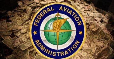 FAA til bøde for passagerer $ 14,500 for at blande sig med flyvehjælpere