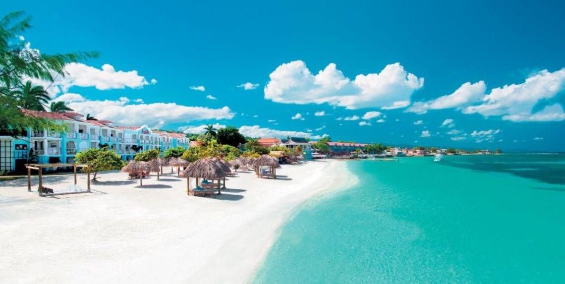 샌들은 300 명의 카리브해 의료 종사자들에게 무료 휴가를 제공합니다