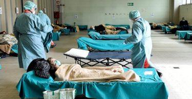 Itálie jako první země EU překročila 100,000 XNUMX úmrtí COVID