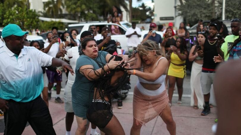 Mojitos, fester og skud: South Beach Toout of Control