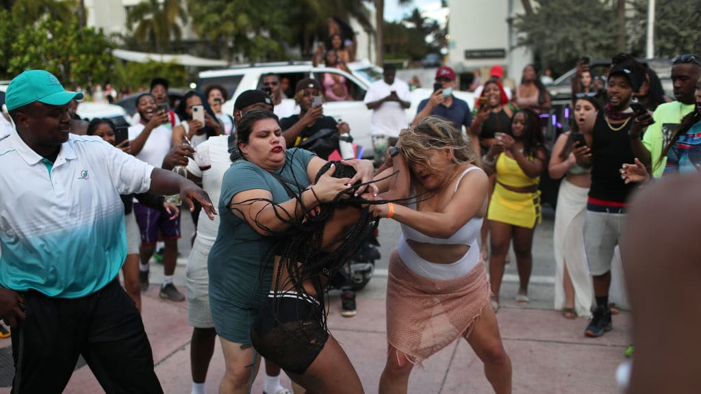 Mojitos, fety ary fitifirana: South Beach Toout of Control