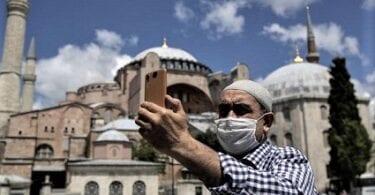 Թուրքիան սկսում է COVID-19 պատվաստումների դեմ արշավ տուրիզմի մասնագետների համար