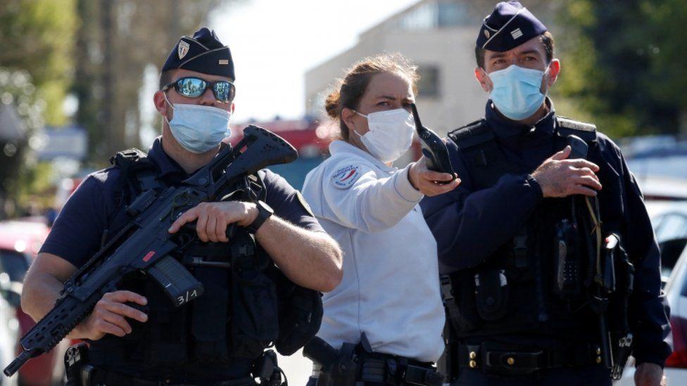 Η γαλλική γυναίκα αστυνομικός σκοτώθηκε σε ισλαμική τρομοκρατική επίθεση κοντά στο Παρίσι
