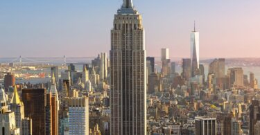 Empire State Building slavi 90 godina
