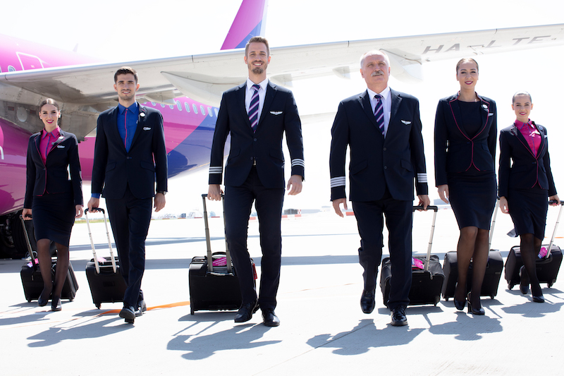 På tide å rydde opp i flyselskapet: Wizz Air anti-arbeidstaker praksis utsatt