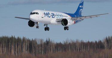 ロシアは、ソビエト後の最初のロシア製大型旅客機のテストに成功しました