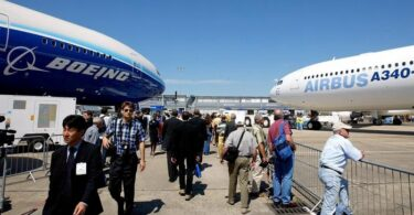 Ny fampiatoana ny tarif amin'ny varotra EU-US dia nanolo-kevitra hamaha ny laharana Boeing-Airbus